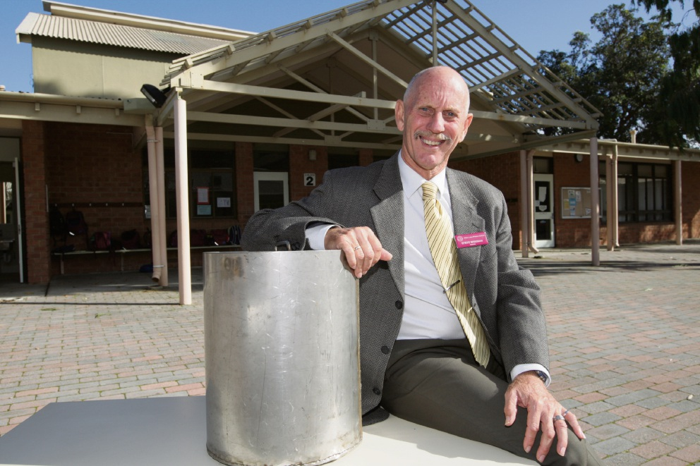 Bibra Lake Primary School Principal Steve Wiseman will be opening a time capsule that was put together 10 years ago. Picture: Bruce Hunt   d472018