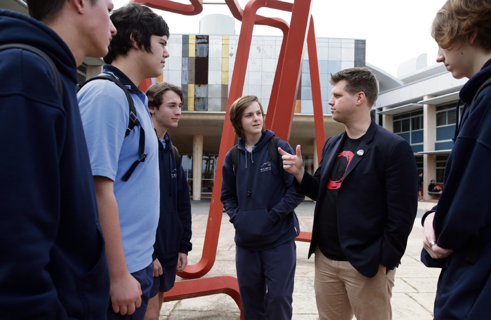 Michael Sheldrick (senior campaigner with Global Citizen) and students Jaryd Rex,Liam Reynolds,Shaun Hoskisson,Ethan Webb and Toby Massey. Picture: Martin Kennealey d472532