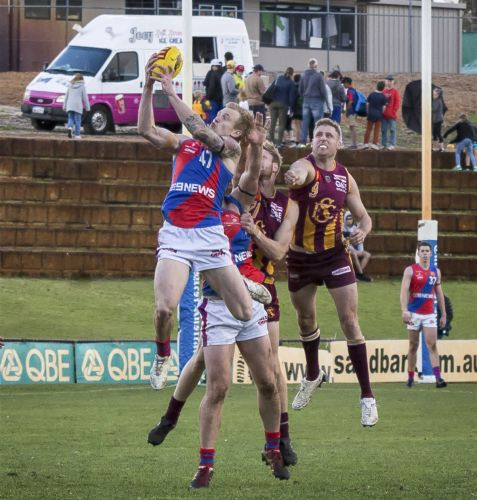 Kody Manning with strong hands in the Subiaco loss. Picture: Dan White