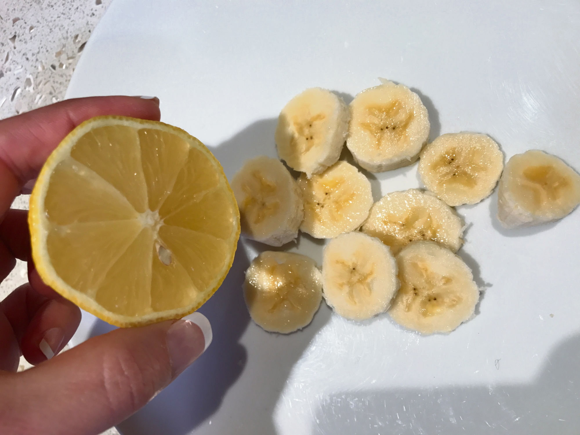 Life hacks: from cleaner food preserver, lemons have many uses