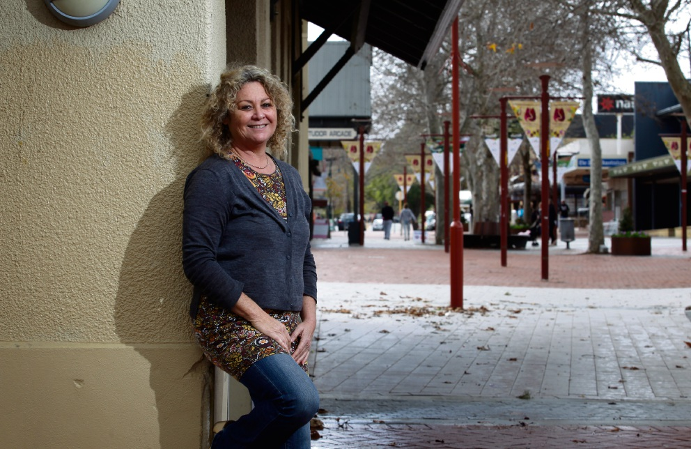 Artist/designer Charlene O''Brien, the driving force behind Artist Retail Collective, in Jull Street Mall. Picture: Marie Nirme www.communitypix.com.au   d472763
