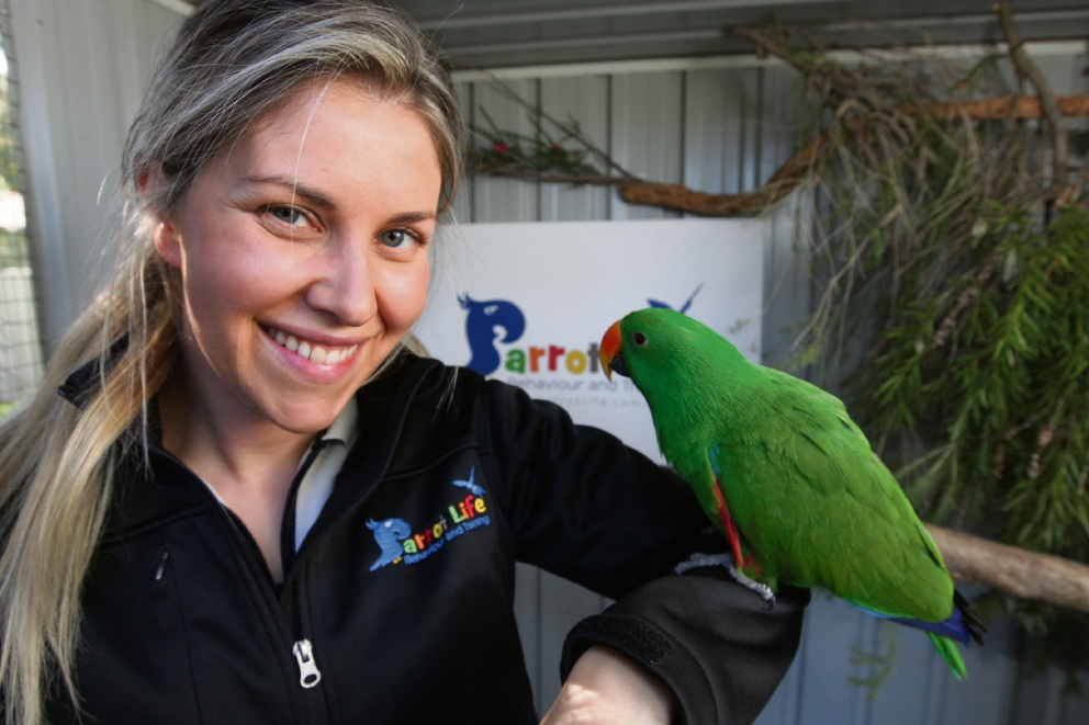 Polly want a cracker? Lesmurdie resident makes it her business to help pet owners wrangle parrots