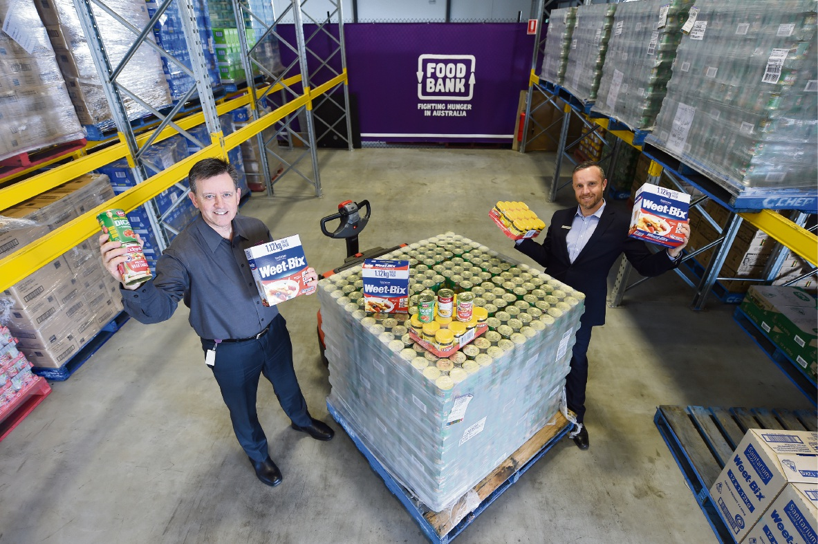 Foodbank's Greg Hebble and Scentre Group's Scott Greenwood. Picture: Jon Hewson www.communitypix.com.au d473080