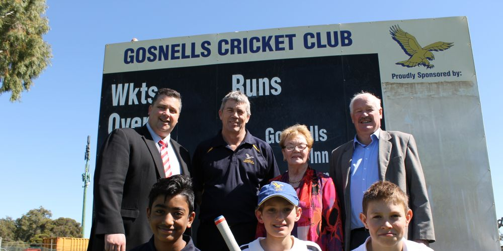Terry Healy; Gosnells Cricket Club President Ross Leipold; City of Gosnells Mayor Olwen Searle JP; Minister for Sport and Recreation Mick Murray; with Gosnells junior cricketers.