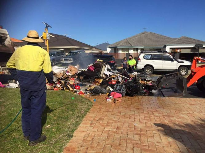 A verge collection caught fire following a gas bottle explosion.