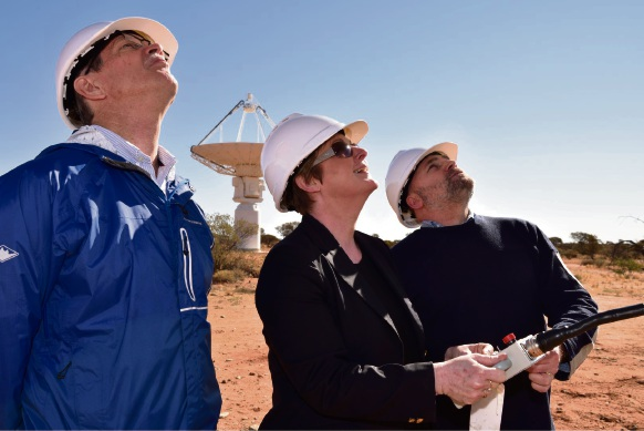 WA Opposition Leader Mike Nahan, WA Liberal Senator Linda Reynolds and CSIRO Head of WA Observatory Operations Astronomy and Space Science Kevin Ferguson.