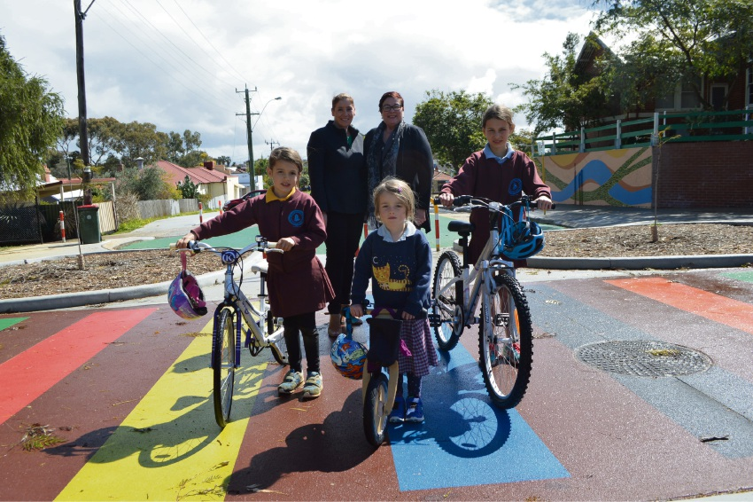 Transport Minister Rita Saffioti and Maylands MLA Lisa Baker were joined by Bayswater Primary School Year 1 student Anabelle Cook, kindergarten student Sophie Cook and Year 5 student Emily Gardner.