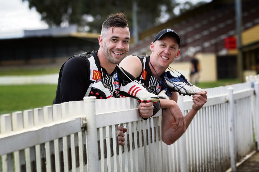 Retirees: Swans players Ryan Crowley and Tallan Ames. Picture: Bruce Hunt www.communitypix.com.au   d473573