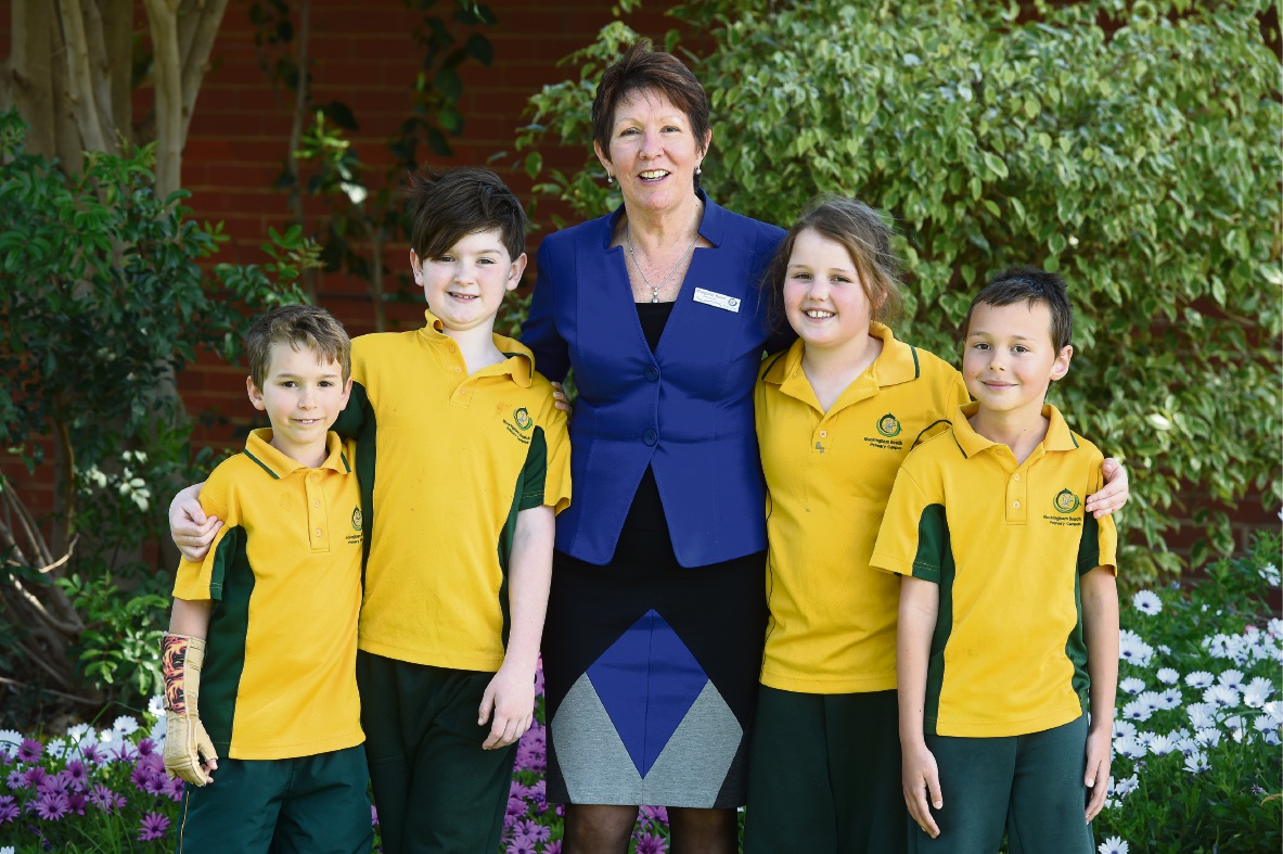 Bailey Arnett (Year 2), Riley Moses (Year 3), principal Margaret Keen, Chelsea Finnigan (Year 3) and Jaxon Lunny (Year 4).