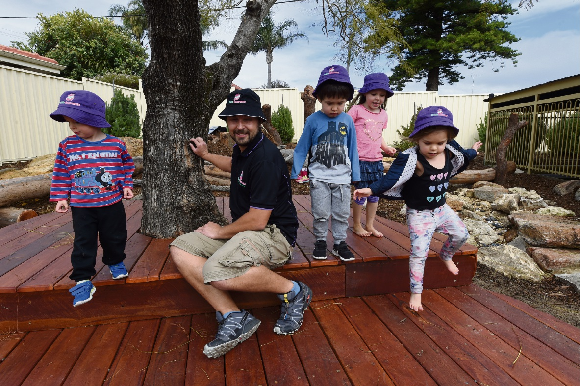 Finn Faziolo, Leonardo Ostuni, Sophie Marquand and Sienna Caudwell with educator Martin Danielowski. Picture: Jon Hewson www.communitypix.com.au d473155