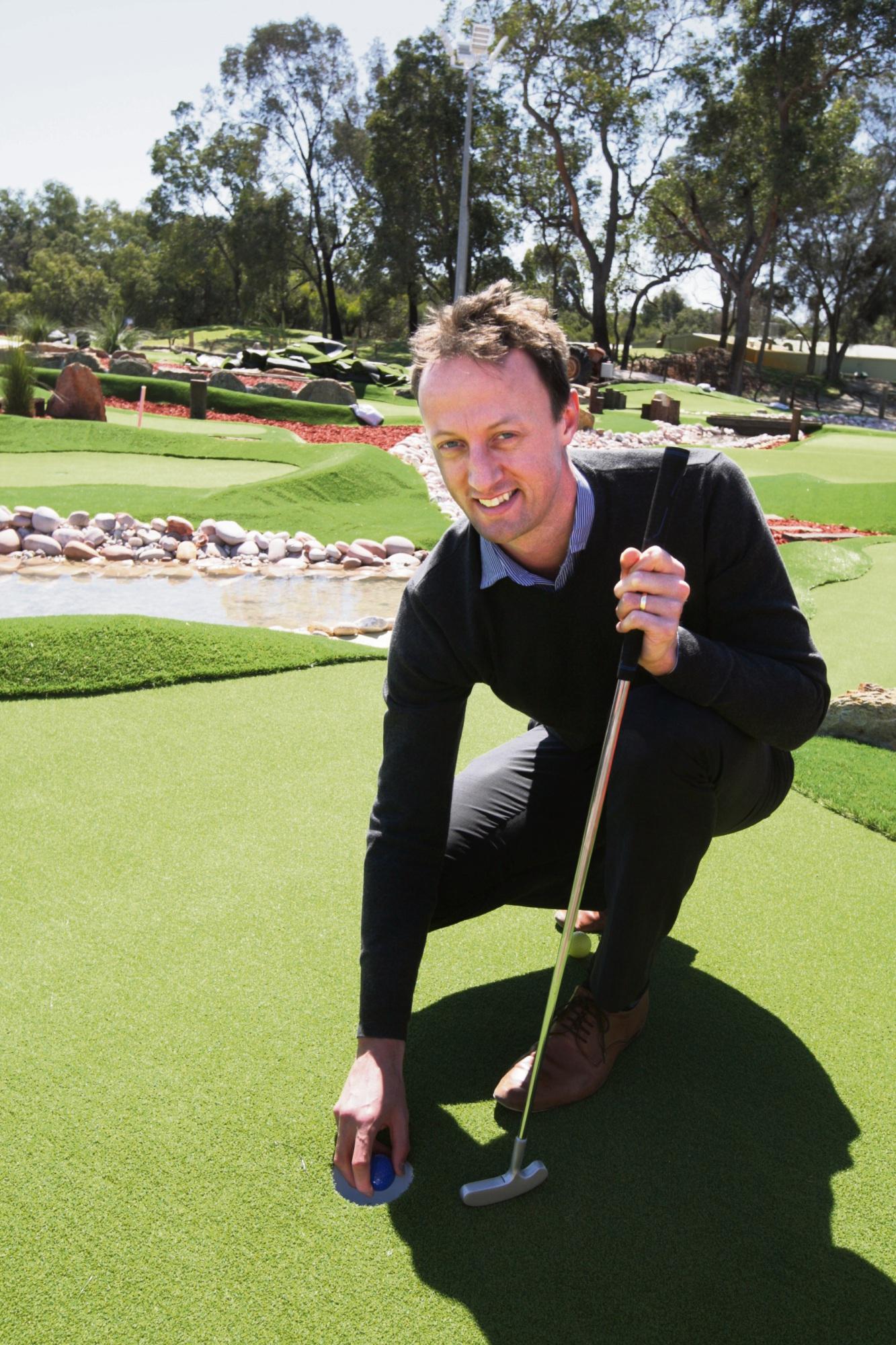 Scott Meiklejohn at the new mini golf course. Picture: Bruce Hunt www.communitypix.com.au d473913