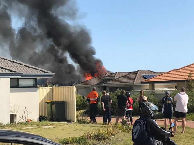 Emergency services respond to north Mandurah fire