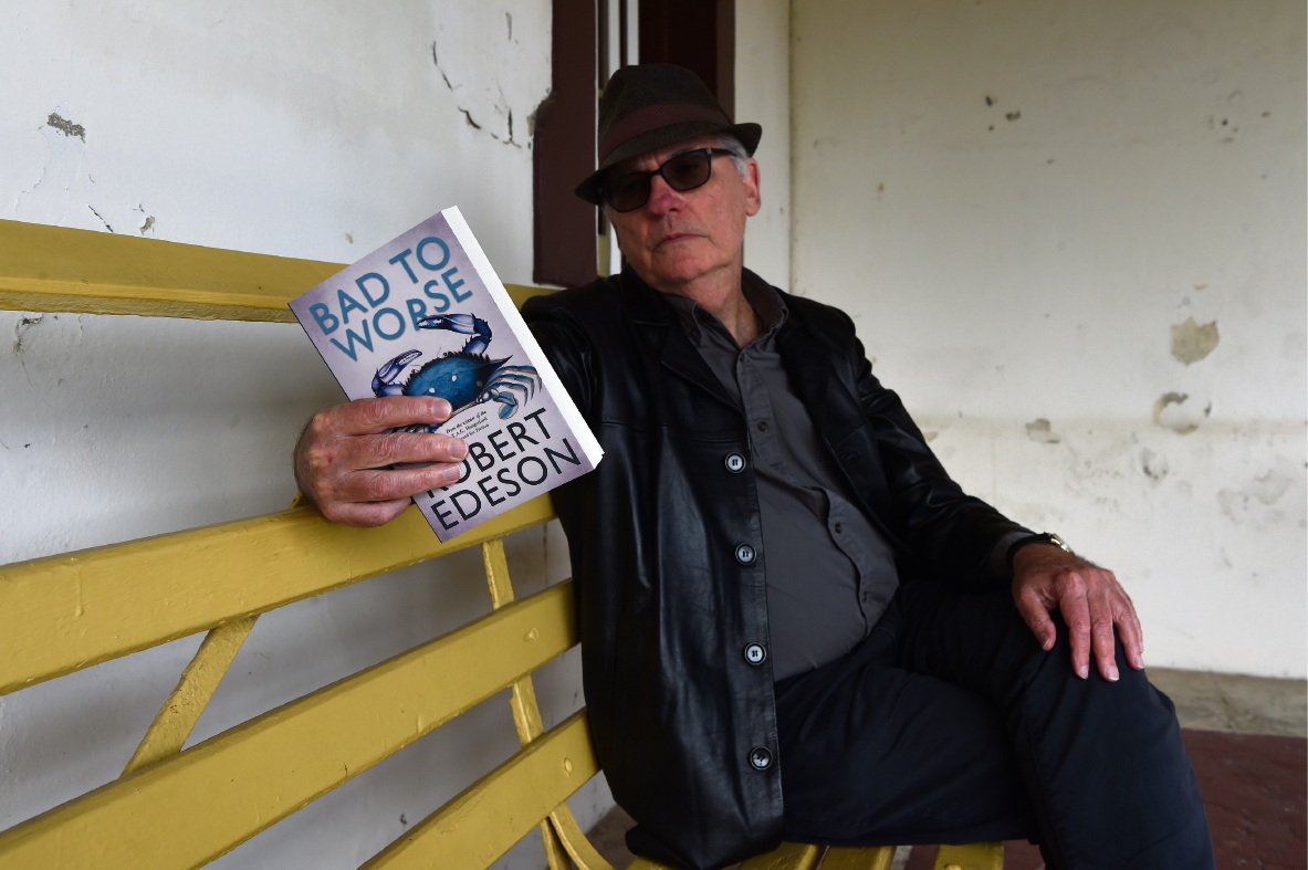 Author Robert Edeson with his new novel. Picture: Jon Hewson   d472912