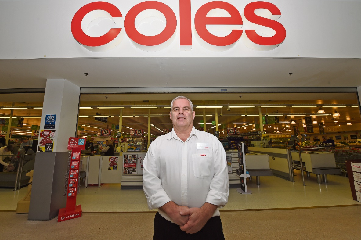 Guy Snader has been working at Coles since 1982. Picture: Jon Hewson www.communitypix.com.au d473880