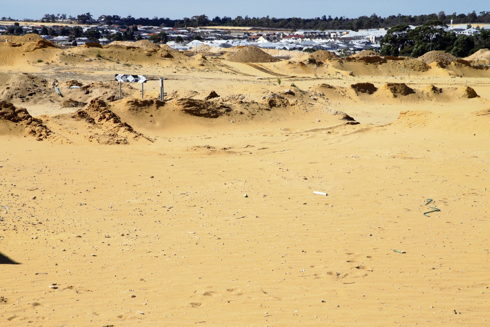 City of Wanneroo blasted by residents over sand drift