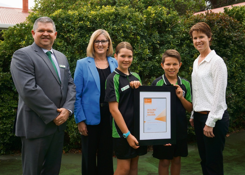 Former principal Geoff Miller with Sharyn O'Neill, students Tess Hosking and  Brody Drage, and principal Danielle Roache.