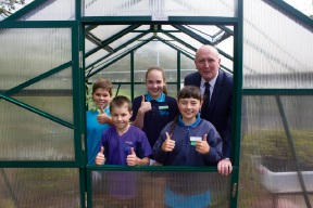 Luka Pilpivic, Jack Patman, Caitlin Preedy and Ella MacDonald with Environment Minister Stephen Dawson.