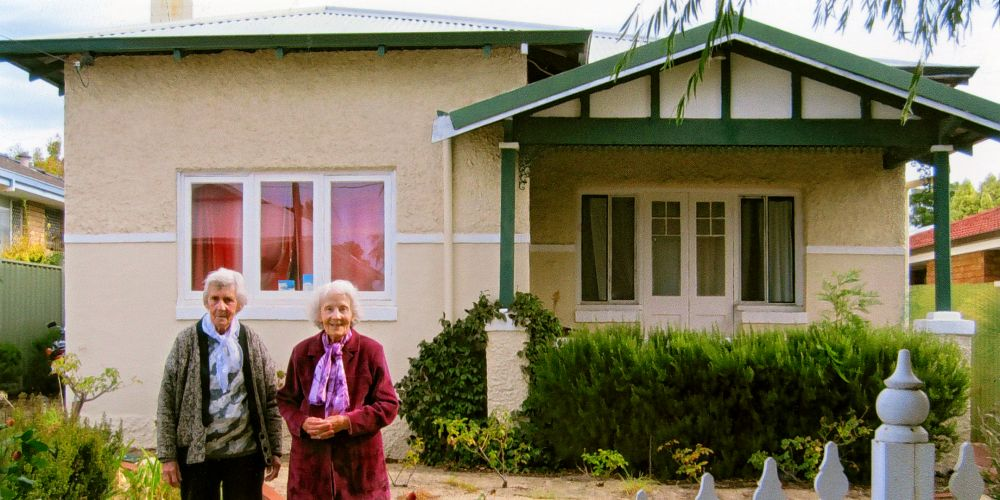 Shirley Shaw and Viola Howell back at their childhood home in 2015.