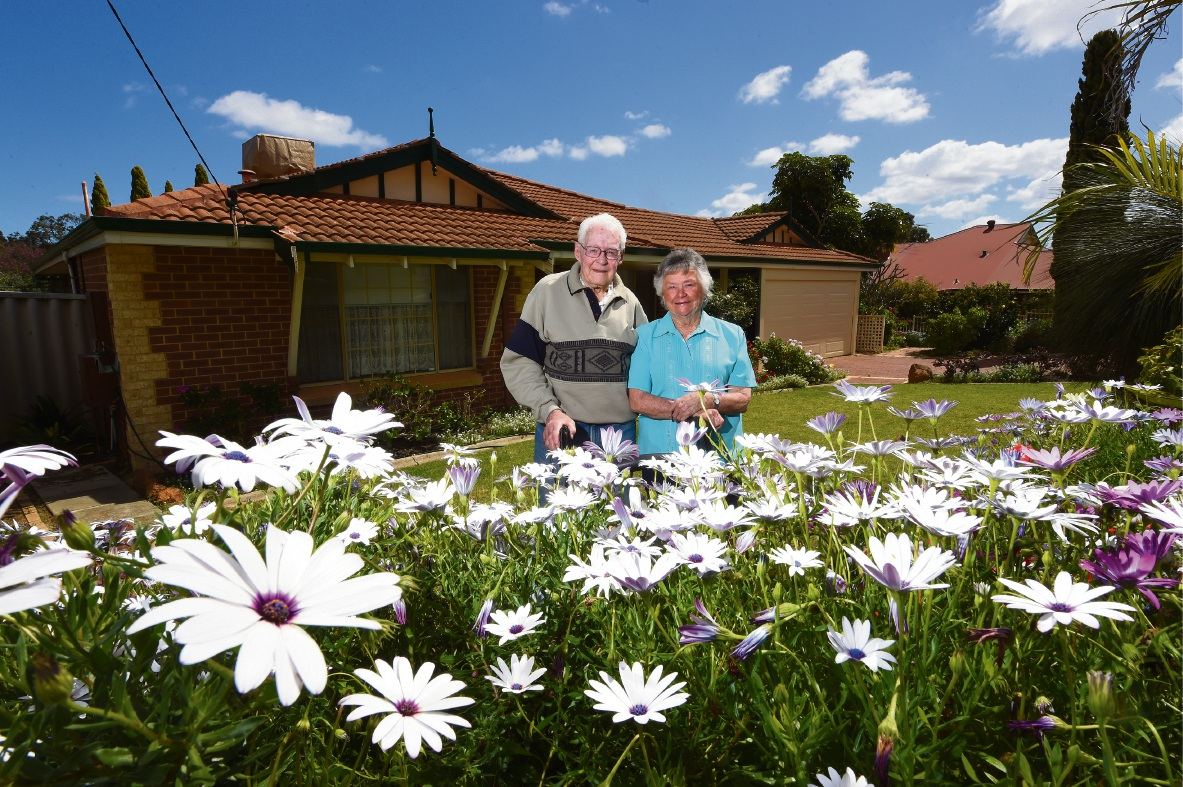 Mt Richon residents and Armadale pioneers Tom and Maxine Pratt. Picture: Jon Hewson d474146