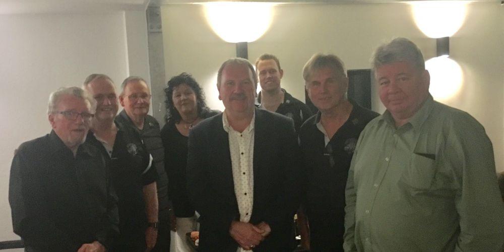 Rockingham Mayor Barry Sammels and Rockingham City Pipe Band members.
