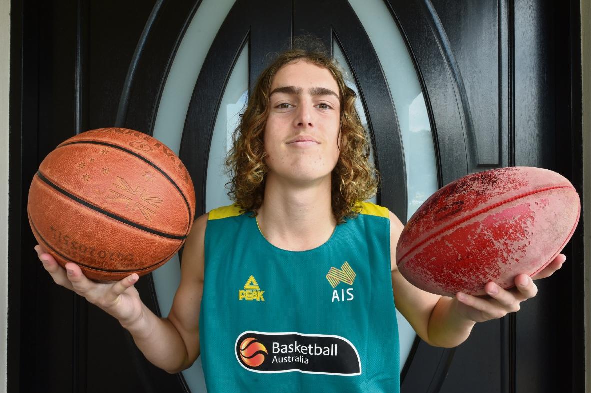 Canning Vale teen faces big decision between hoop dream or AFL