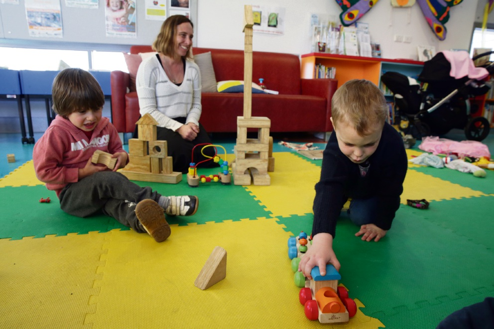 Joanne Donnelly (Warwick) with Frederick (3) and Archie (4) at It's All About Play at Wanneroo Library. Picture: Martin Kennealey d472937