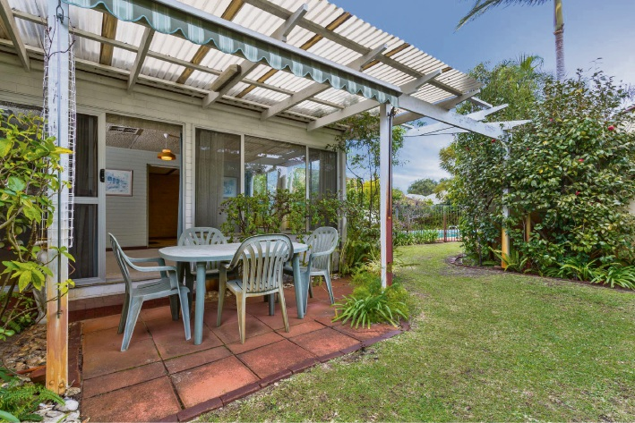 Como, 17 Amery Street – Auction