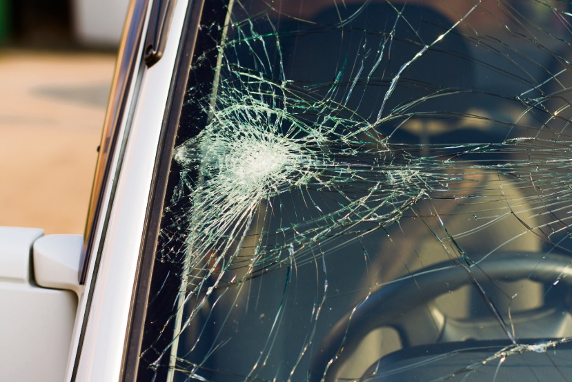 Car damaged after rocks thrown from Beeliar Dve freight bridge