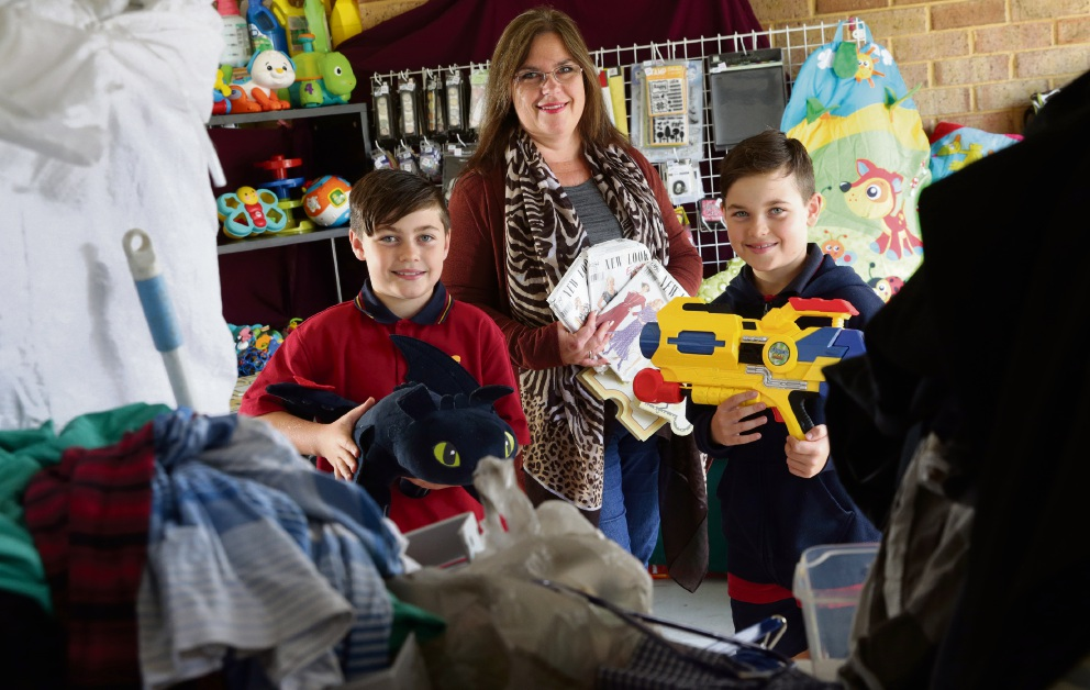 Debbie Eddington (Carramar) with sons Brandon (10) and Julian (10). Picture: Martin Kennealey d474745