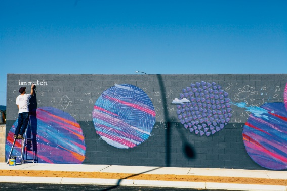 WA artist adds splash of colour to Madox masterplanned community in Piara Waters