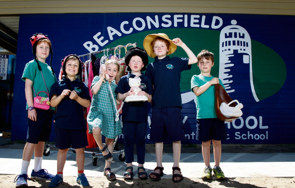 Getting ready for the Garage Sale Trail are Beaconsfield Primary School students (from left) Isobel Marillier, Florence Jauncey, Angus Marillier, Ned Hammond, Art Jauncey and Charlie Hammond. Picture: Marie Nirme www.communitypix.com.au   d474928