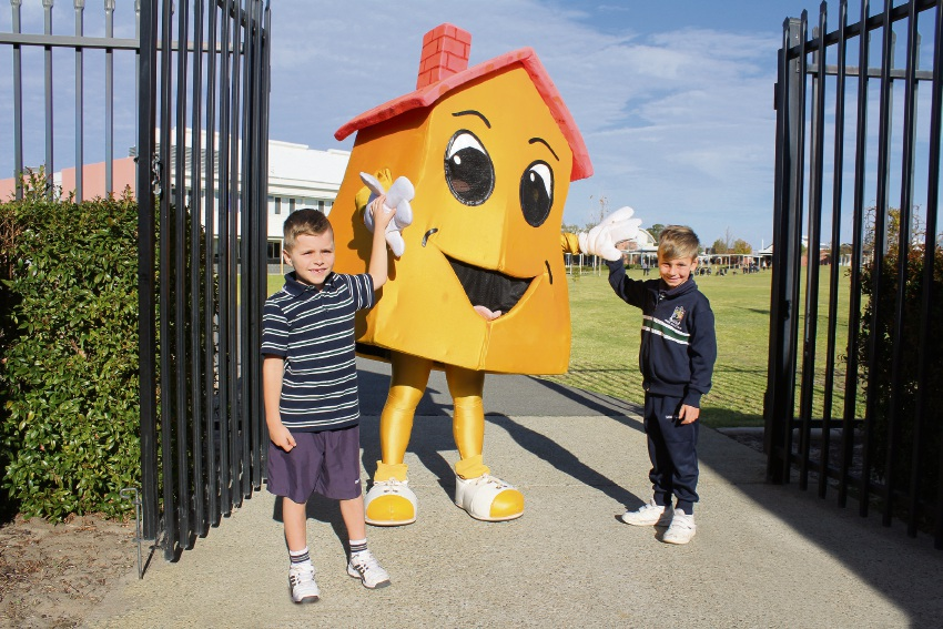 Swan Valley Anglican Community School students Timothy Murray and Jimmy Delaney with the WA Safety School mascot. Picture: Supplied