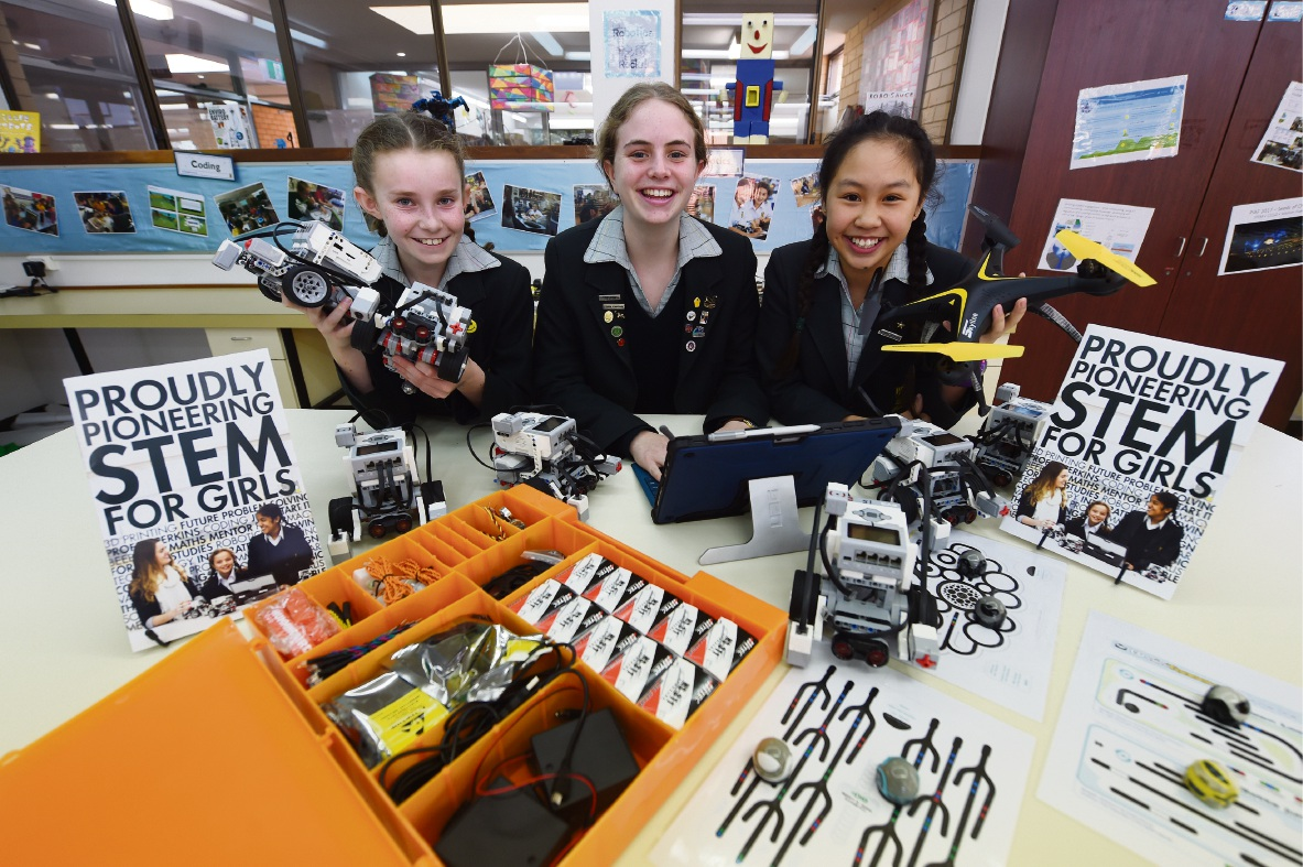 Penrhos College students Finlay Foster (Year 6), Stella McLaughlin (Year 11) and Katherine Qui (Year 8).Picture: Jon Hewson www.communitypix.com.au d474871