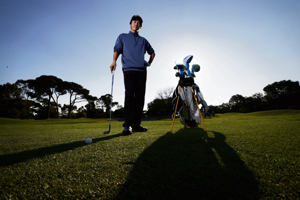 Fred Lee has been accepted to Stanford University's golf program in the US.