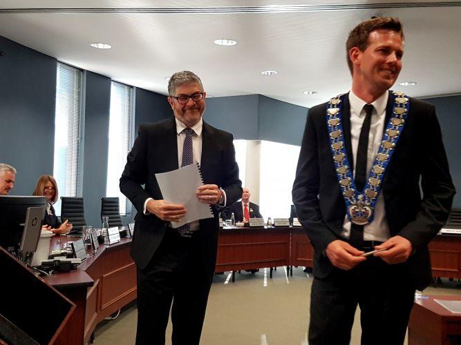 City of Mandurah chief executive Mark Newman and new mayor Rhys Williams.