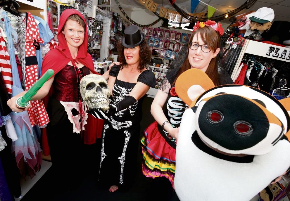 Susan Kata, Jacki Werner and Hannah Barber. Picture: Matt Jelonek www.communitypix.com.au d475391