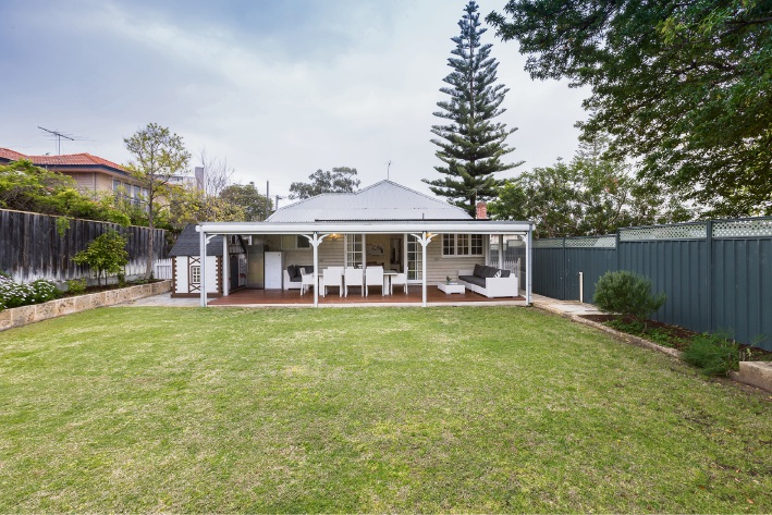 Mosman Park, 21 Glanville Street – Offers by November 7