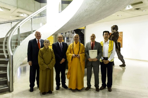 Art Gallery of WA chairperson Sam Walsh, Chief Abbess Venerable Man Ko, Art Gallery of Western Australia director Dr Stefano Carboni, Arts and Heritage Minister David Templeman, Venerable Hui Kuan and Buddha's Light International Association president David Yee.
