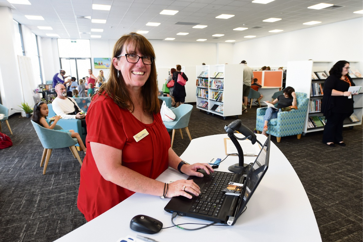 Co-ordinator of library services Teena Miller at the new Lakelands library. Picture: Jon Hewson www.communitypix.com.au d475096