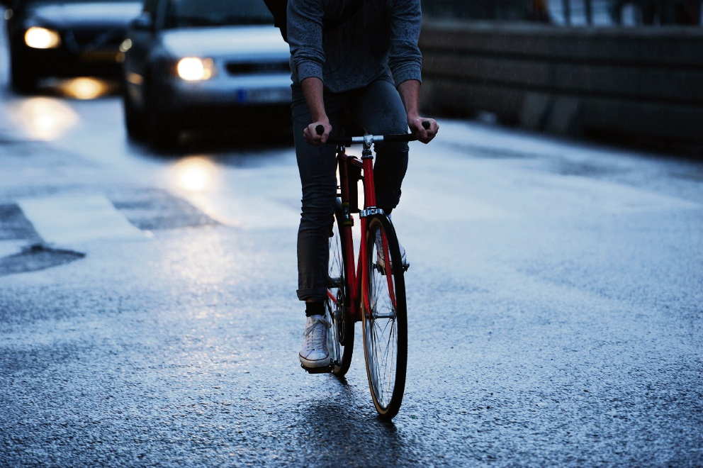 Melville Fremantle Cycling Club president says new safe passing distance law will do little to improve relationship between motorists and cyclists