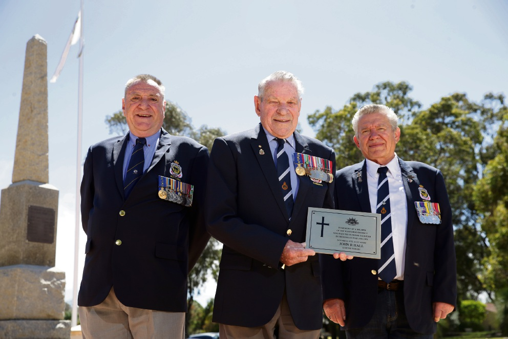 Wanneroo RSL members Peter Tuck, Jack Le Cras and Jan Huscha with the plaque. Picture: Martin Kennealey    d475791