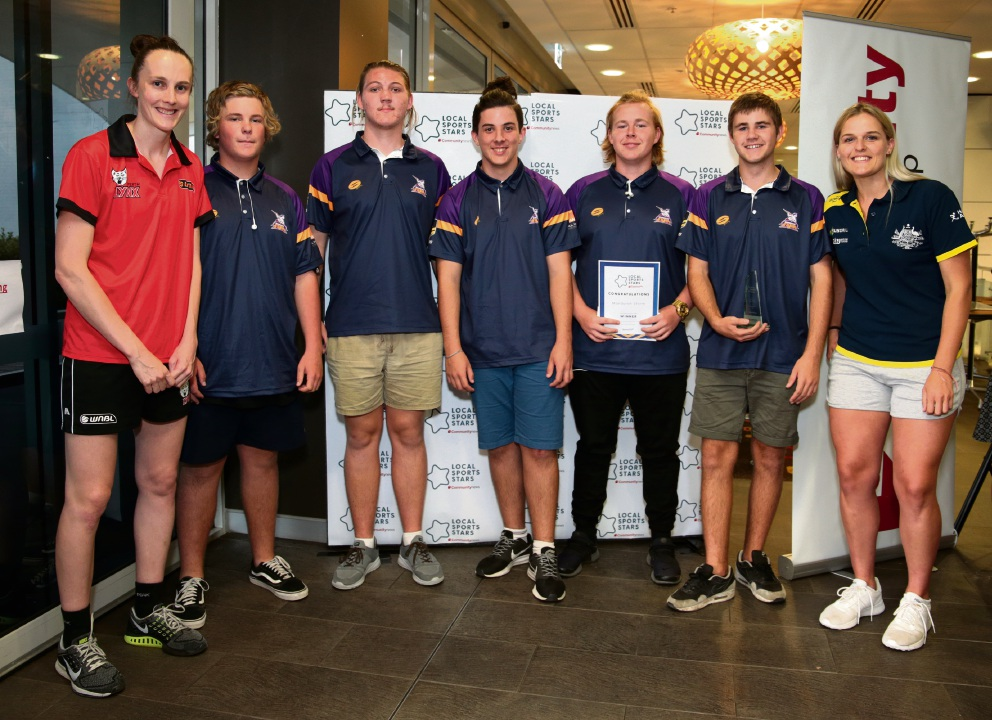 L-R: Toni Farnworth (Co-captain of the Perth Lynx), Mandurah Storm (Young Sporting Spirit Team L-R: Jack Lund, Luke Swinson, Lucky Rundle, Kurtis Bilsborough and Joel Tapp) and Aleisha Power (Hockeyroo).   d476151