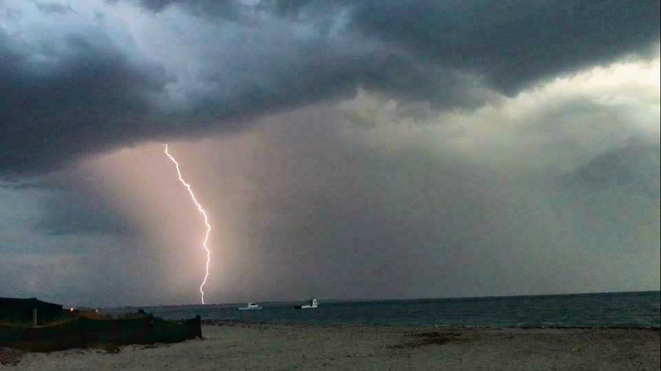 Picture Gallery: Mandurah storm through your eyes