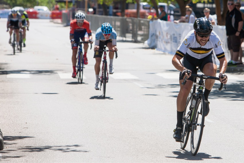 Cycling: Rockingham Beach Cup Gold Criterium sees literal sprint to the line