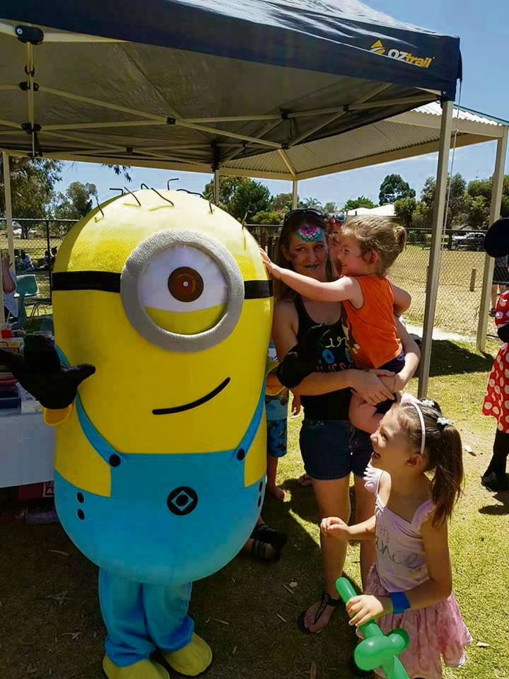 Mandurah mum makes sure all kids get a birthday party invite