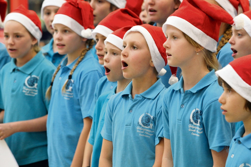 Gidgegannup Primary School students sing carols at Midland Gate. Picture: Bruce Hunt