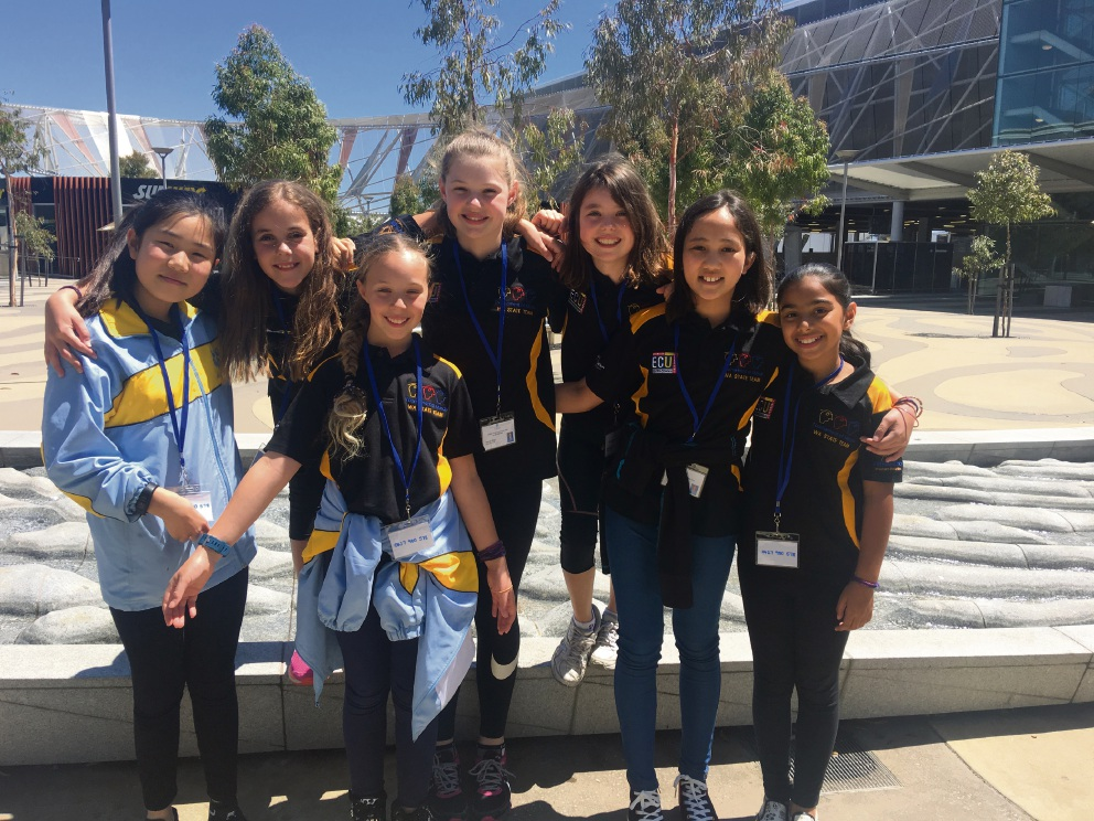 Jiarui Xiang, Piper Brooks, Poppy Aristel, Jessica Bihler, Isabella Thompson, Lea Van Reenen and Angelie Lakshmi Narayan from the St Hilda's Tournament of Minds team.
