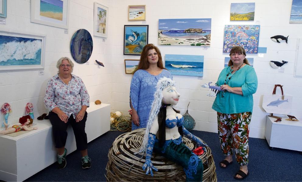 Ann Allnut (Yanchep), Christine Farrell (Clarkson) and Janelle Corkhill (Clarkson). Picture: Martin Kennealey d476349