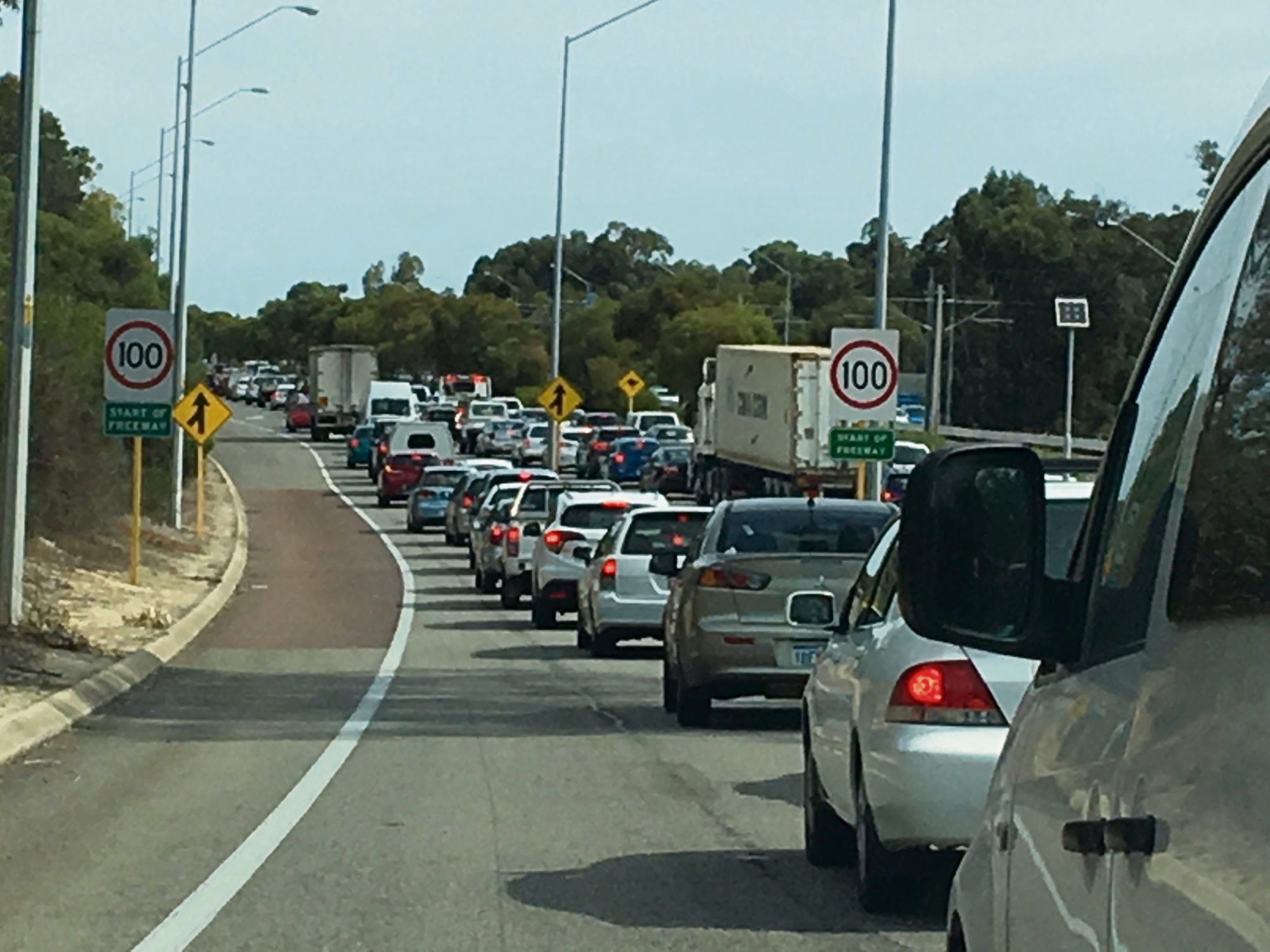 Kingsley: delays on Mitchell Fwy southbound after crash