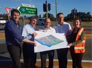 Canning MRH Andrew Hastie, Murray Shire president David Bolt, Darling Range MLA Barry Urban, Federal Transport Minister Darren Chester and Serpentine-Jarrahdale Shire president Michelle Rich discuss plans for the Tonkin Highway extension.